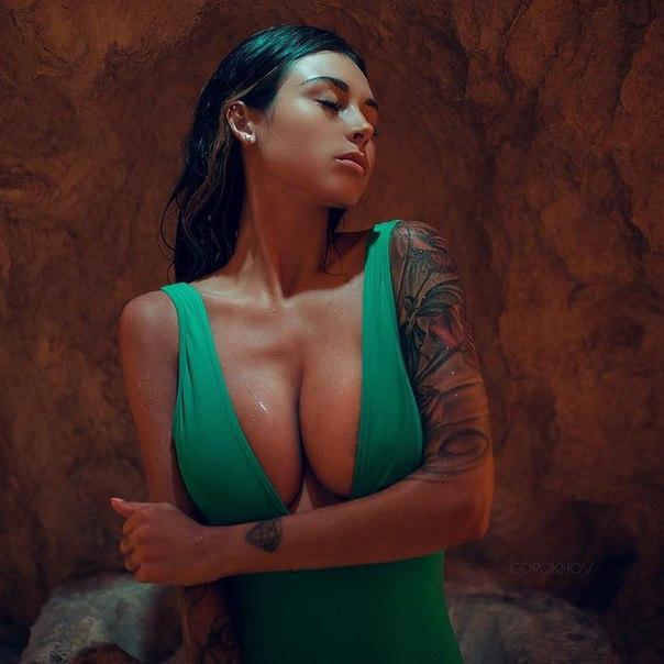 Nude bikini pics tylene buck