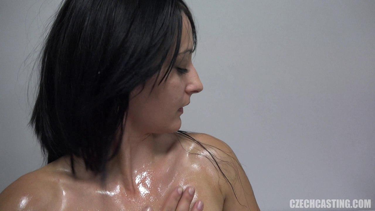 Чешский порно кастинг с темноволосой Александрой