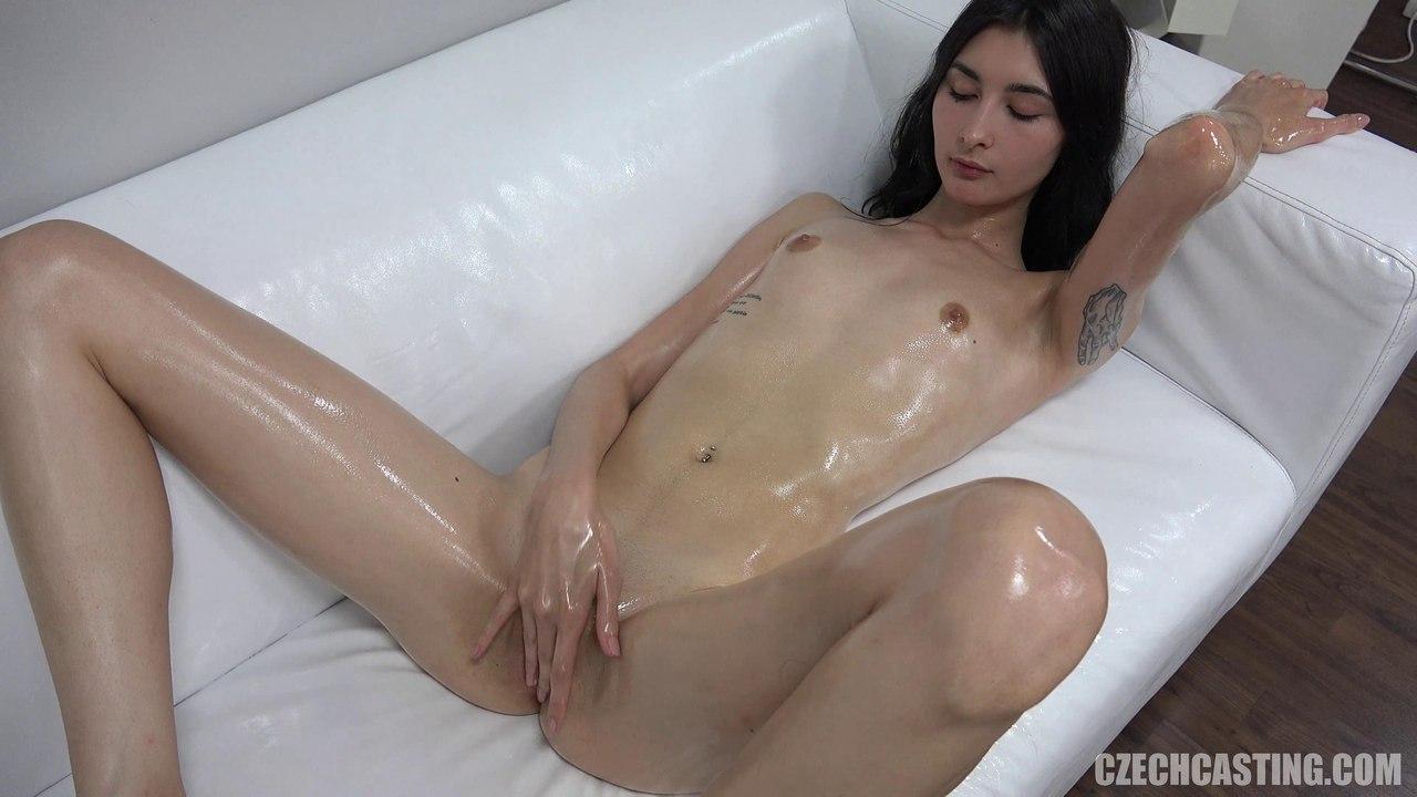 Джульетта с телом модели на чешском порно кастинге