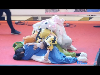 [4K] 161204 트와이스 잠자는 펭귄 미나 노리는 공룡 정연 직캠 TWICE Mina Jeongyeon fancam (여의도 팬싸510