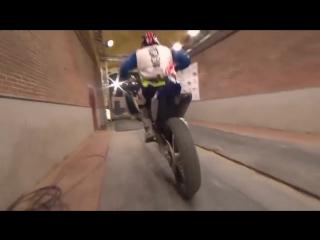 Лучший в мире трюкач на мотоцикле - победный заезд 2016