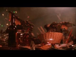 Гремлины | Gremlins (1984) Сцена в Баре
