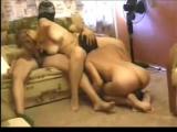 Молодая пара МЖ-чмор раба (русское видео).Cuckold slave humiliation