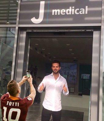 Juventus FC - Страница 41 QmEjOjOVu4U