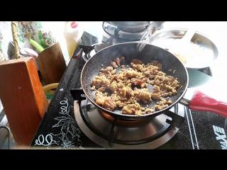 Bakina kuhinja - kačamak sa pavlakom čvarcima i slaninicom