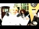 Чирикова и Лев Пономарев выходят из посольства США
