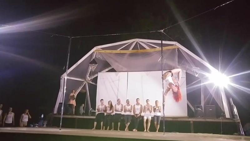 Выступление презентеров в Pole Dance Camp 2016