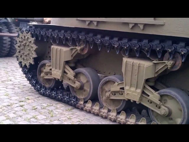Sherman M32B1 - Swapping tracks