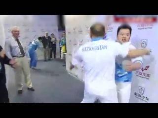 Казахстанские тренеры по тяжелой атлетике стали героями ролика в Сети