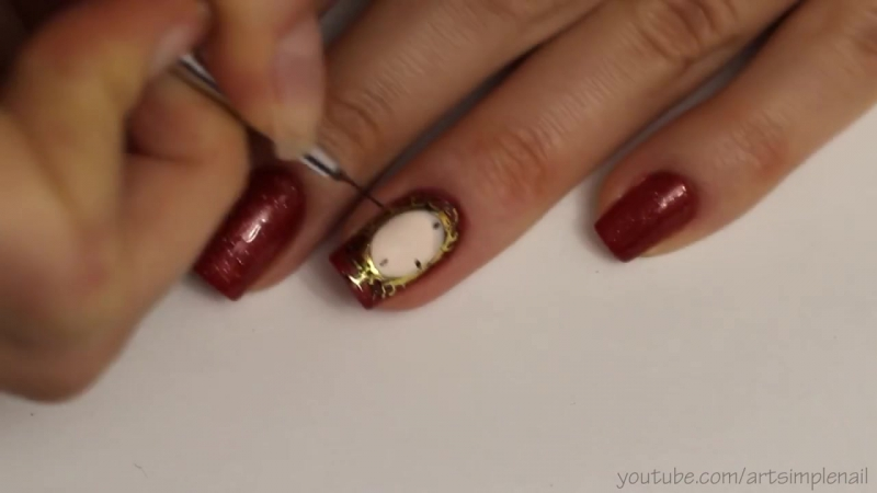 Маникюр Часы Новогодний дизайн ногтей на гель лаке с жидким камнем и бульонками
