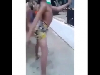 Девушки, учитесь)