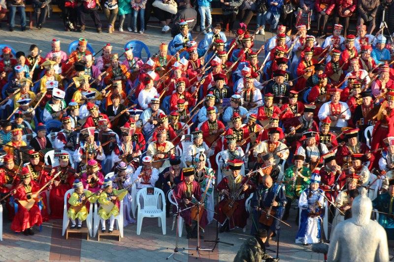 500 музыкантов Калмыкии