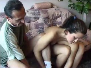 Порно взрослый дядя соблазнил