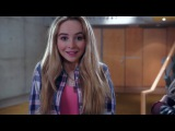 Adventures in Babysitting - Sabrina Carpenter e Sofia Carson -