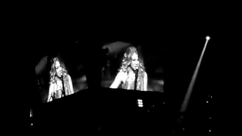 Taylor swift- White Horse (Live at San Antonio Stock Show Rodeo 2009