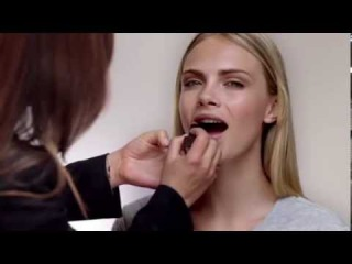 Natural Nude Look Tutorial with Jourdan Dunn and Cara Delevingne
