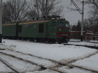 Вл80к-089 горочный електровоз заезжает на отдых в депо следующая смена 089 в 20-00