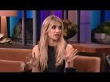 Emma Roberts au Tonight Show de Jay Leno le 24 octobre 2013