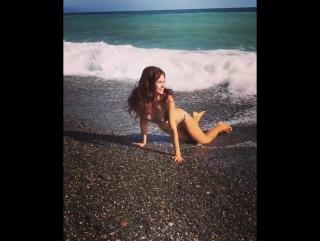 Эвелина Бледанс: купание в октябре