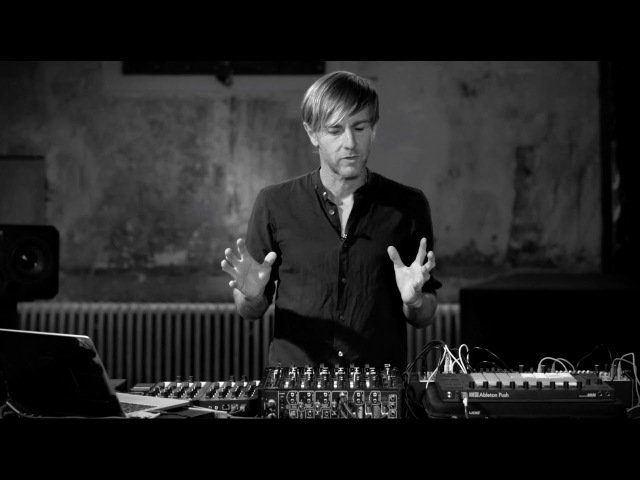 How I PLAY: Richie Hawtin MODEL 1 DJ Set-Up
