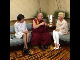 26 июня 2016: Беседа Леди Гаги и Далай-ламы на Конференции мэров США