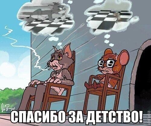 devushka-smotrit-kak-paren-soset