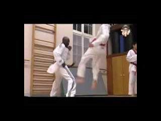 Taekwondo professor Master Maradas (Joe Dalton, French Urban Legend) and Mudo's child