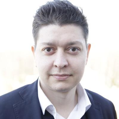 Олег Смекалов