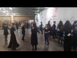 В процессе разучивания новой связки. Школа лезгинки и кавказских танцев НУР