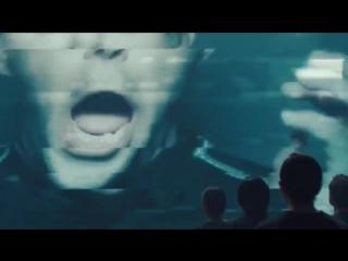 Бенедикт Камбербэтч спародировал рекламу Apple, представляя унитаз