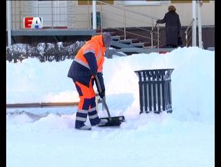 30 сантиметров снега. В минувшие выходные в Первоуральске выпало рекордное количество осадков.