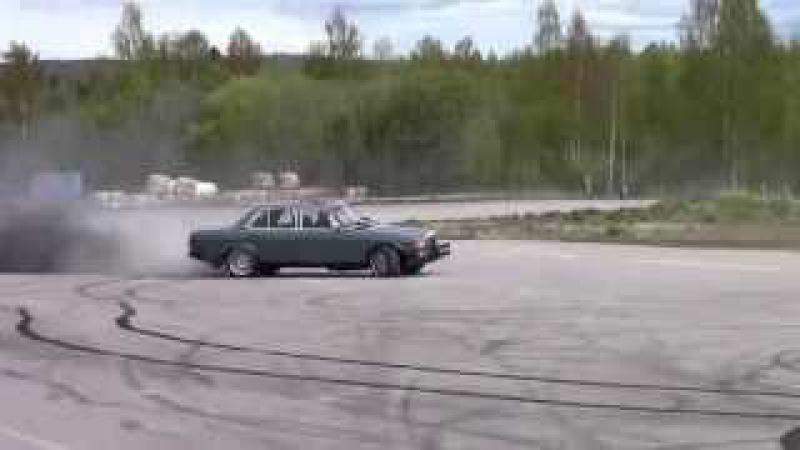 Mercedes W123 TURBODIESEL OM605 BURNOUT