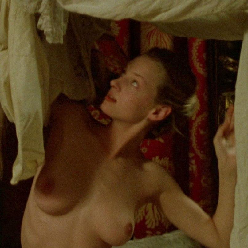 Uma thurman dangerous liaisons nude