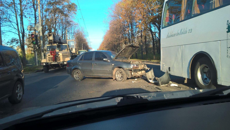 На Московском проспекте ДТП: образовалась пробка