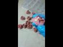 конфеты ко дню влюбленных, корпус клубничный шоколад, начинка ганаш из белого шоколада с миндальной стружкой