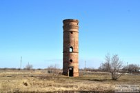 08 апреля 2016 - Самарская область: Старая водонапорная башня в селе Хрящевка
