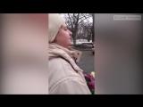 Жительница Чернигова украла цветы у мертвых