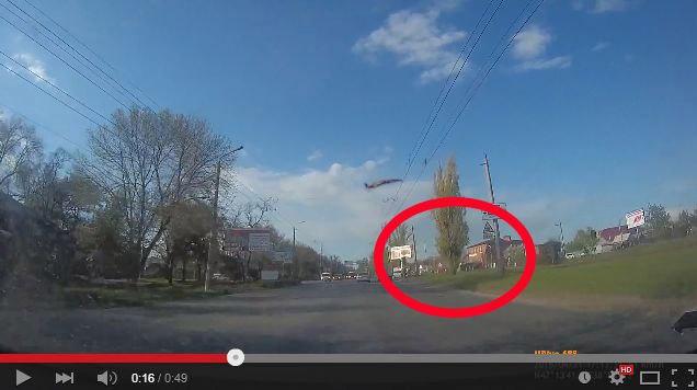 Столкновение Toyota Land Cruiser 200 и Ford Focus попало в объектив видеорегистратора