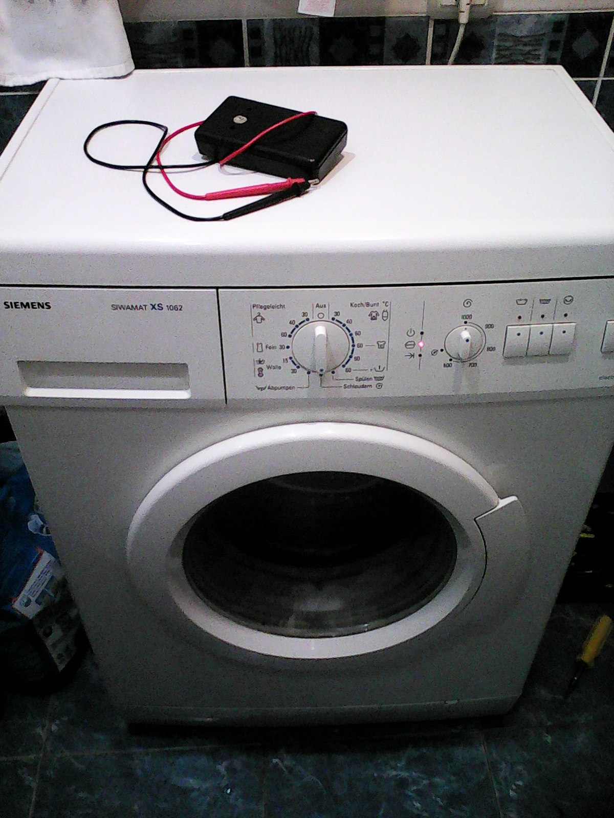 Автоматическая стиральная машина Siemens XS 1062