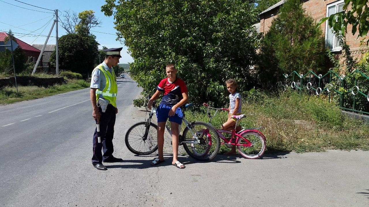 Сотрудники Неклиновского ГИБДД провели спец.мероприятие на трассе «Таганрог-Беглица»