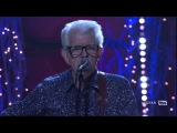Nick Lowe &amp Los Straitjackets - Christmas At The Airport - Live - Conan O'Brien