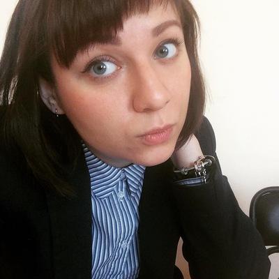 Лена Долганова