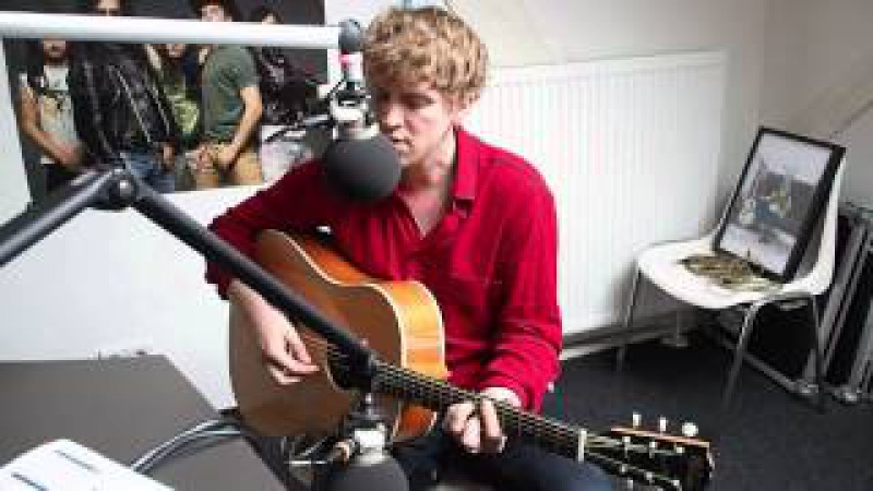Rhodes Close Your Eyes acoustic and live @FluxFM