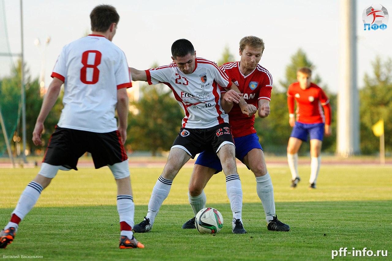 Знойный футбол. Стартовал второй круг Открытого чемпионата Подольска