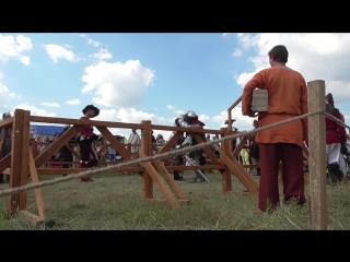 Бой двуручными мечами без щитов