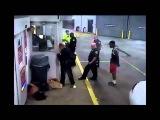 Полицейский избил девушку в наручниках