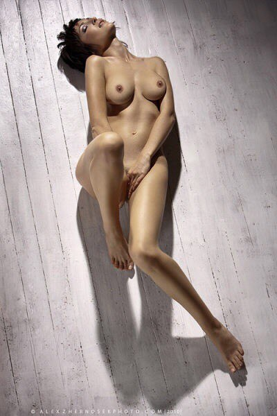Videos of naked women for free