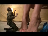 Giantess Daphney Foot Messaging Crush