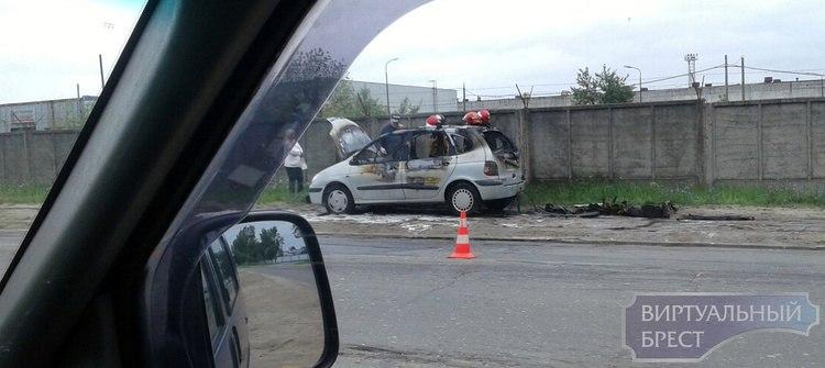 Фото-видеофакт: в Задворцах сгорел автомобиль