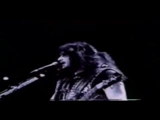 Kiss - Domino (Alive III)